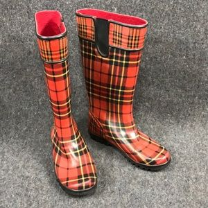 604fe6f8aee73 Women Red Plaid Rain Boots on Poshmark